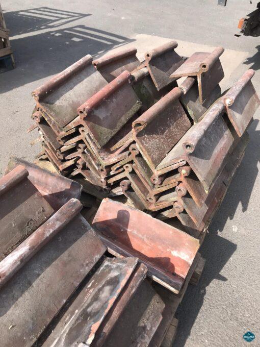 clay roll top ridge tiles